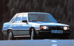 Mazda 929 Sedan, 1982 technical specifications 241417